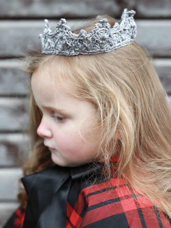 kvačkana krona siva