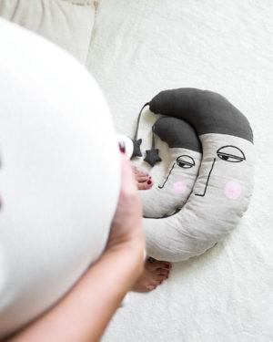 blazina za nosecnice in malcke_zaspana luna